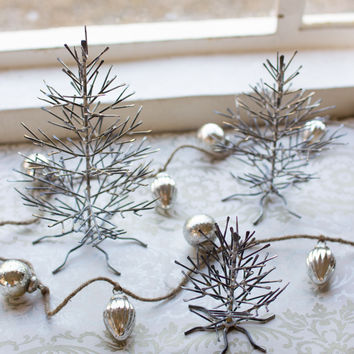 Set of 3 Wire Trees Natural Finish