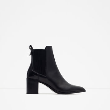 BLOCK HEEL LEATHER ANKLE BOOTS WITH STRETCH DETAIL