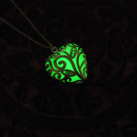 Green Heart Glowing Necklace - Glow in the Dark Jewel- Glowing Jewelry - Silver Pendant - Bridesmaid Gift - Gifts for Her - Anniversary Gift