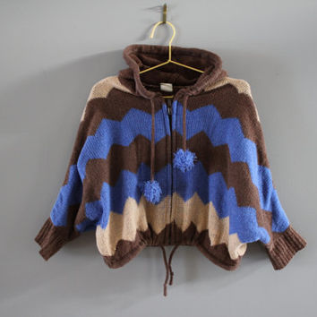 Hippie baby soft knitted brown cape / ponchos zagzig pattern adjustable hood and hem cuite pom pom Japan toddler size 1 to 2 Y