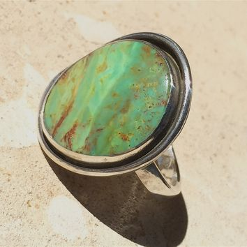 Mohave Green Turquoise Ring, Simple Bezel Silver Setting