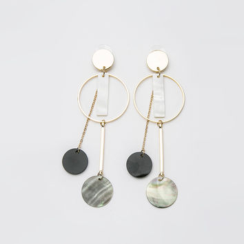 Round Shell Teardrop Earrings