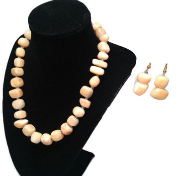 Cream Stone Bead Necklace