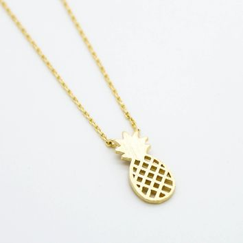 Dainty 14k Gold Pineapple Necklace