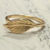 Gold Leaf Ring - Delicate Gold Leaf Ring - Minimalistic Leaf Ring - Dainty Gold Ring - Feather Ring - Layering Stackable Stackable Ring