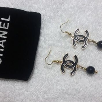 Lovely Designer Black pearl Earrings With Fish Hook Post