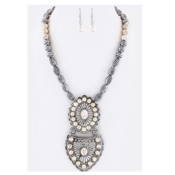 Ivory Pave Stone Concho Necklace Set
