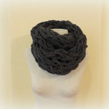 Knitted infinity scarf, gray chunky knitted scarf, hand knitted scarf, loop scarf, knitted scarves, thick winter scarf