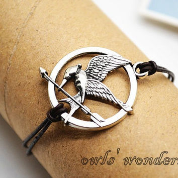 Antique silver Mockingjay bracelet, Hunger games bracelet,  Mockingjay, Katniss's arrow charm braid bracelet,leather bracelet