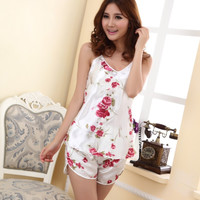 2016 Women Sexy Lingerie Hot Strap Silk Lace Flower Pyjamas Sleepwear Shirts + Shorts Underwear Nightwear Set