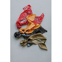Kinley Long Tail Scrunchie - Black
