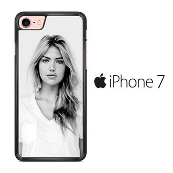 Kate Upton B&W iPhone 7 Case