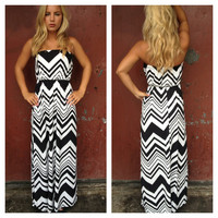 Black & White Zig Zag Strapless Maxi Dress