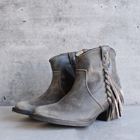 very volatile - lookout fringe leather bootie (women)