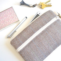 Herringbone iPhone 6 Wristlet, iPhone 6 Case, Phone Wristlet, Padded Phone Case with Strap