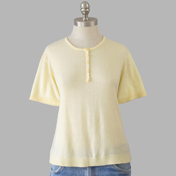 Short Sleeve 60s Sweater / Pale Yellow Sweater / Pastel 1960s Sweater / Summer Knit Scoop Neck Sweater / Pin Up Girl Rockabilly Sweater M/L