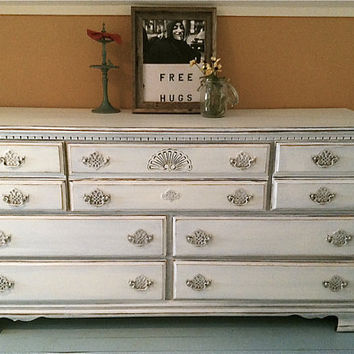 Vintage 7 drawer dresser in Snowfall White