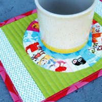 Scrappy Circle Mug Rug Pattern | Los Angeles Needlework
