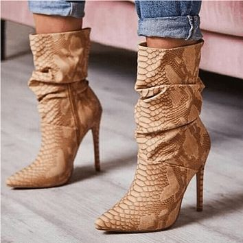 Snakeskin Heeled Pointed Toe Calf Boots