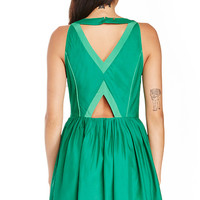 DailyLook: Harlyn Cutout Fit & Flare Dress in Green XS - M