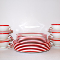 Vintage Flamingo Pink Pyrex Dinnerware Set: Twenty-four Pieces