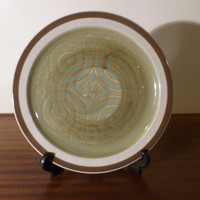 """Vintage 1970s International Stoneware Plate """"Alhambra"""" S365 / Retro Green and Brown Country Design / Made in Japan / Dishwasher Safe"""