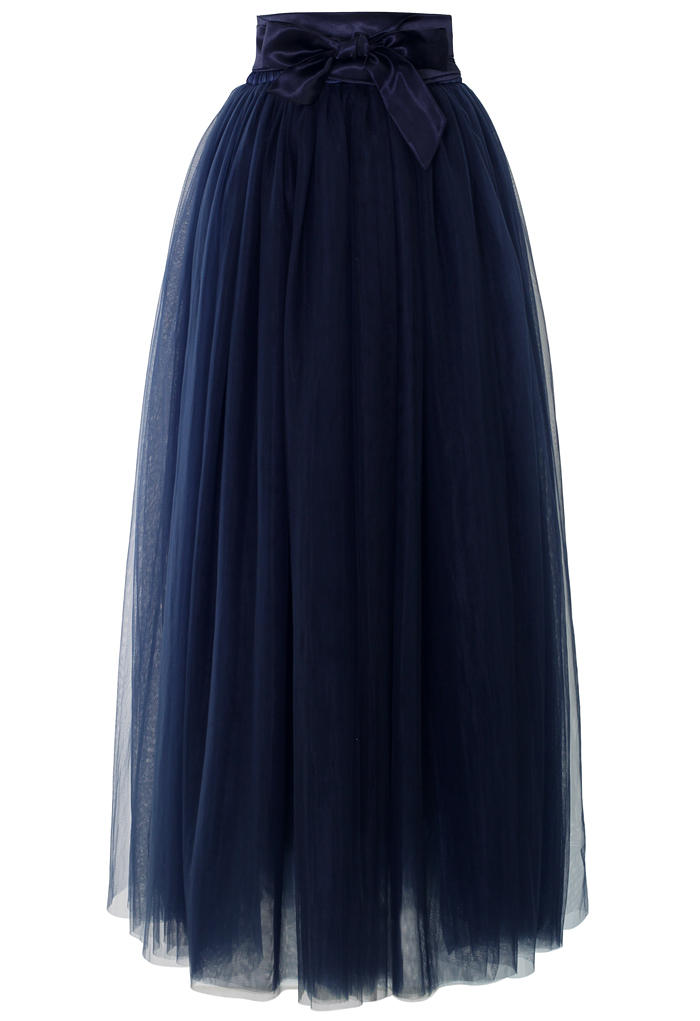 maxi tulle prom skirt in navy blue from chicwish skirt