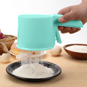 Plastic Flour Sifter Sieve Filter Mesh Flour Sifter Mechanical Baking Icing Sugar Shaker with handle Tool Cup Shape