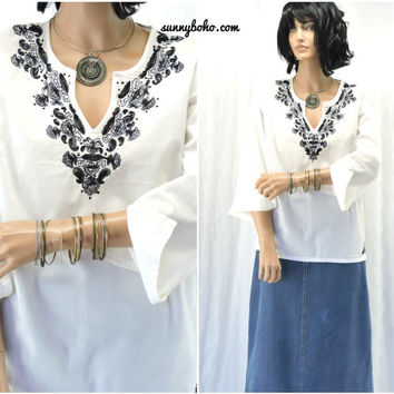 Boho white embroidered tunic top size M, Indie caftan top, bohemian embroidered cotton blouse, SunnyBohoVintage