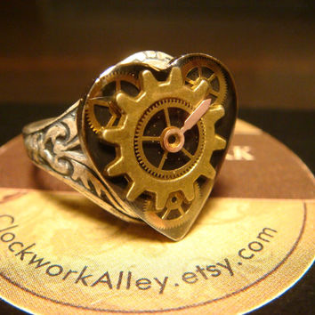 Victorian Style Steampunk Clockwork Heart Vintage Gears Watch Part Ring in Antique Silver (1703)