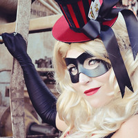 HARLEY QUINN Mini Top Hat with Joker and Queen of Hearts Cards