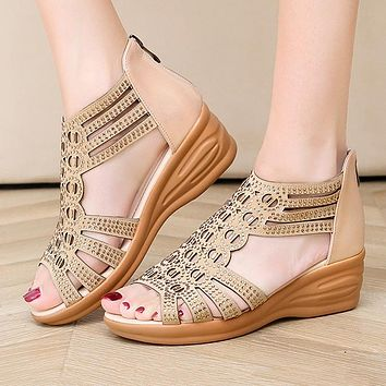 Fashionable large-size sandals, diamonds, medium heels, foreign trade shoes, open-toed women's sandals