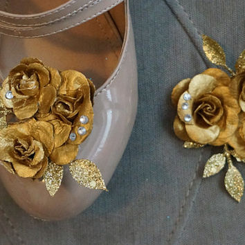 Set of 2 Belle/ Beauty and the Beast Inspired Shoe or Hair Clips. Gold cluster of hand painted Roses. Great for Princess Parties, cosplay