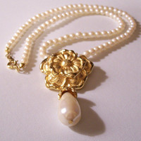 Flower Drop Pearl Necklace Choker Gold Tone Vintage Small White Bead Spring Clasp Avon Hangtag