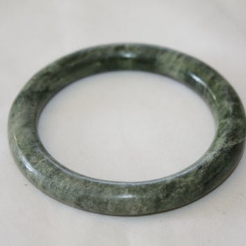 Vintage Bangle Bracelet Asian Jade Green  Bracelet 1940s Jewelry