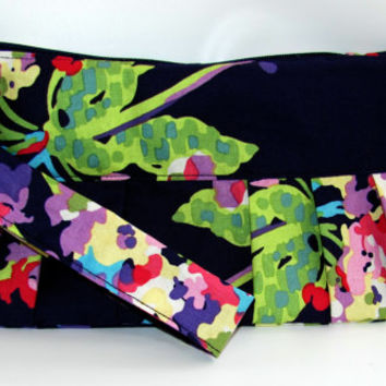 Wristlet Wallet Women Clutch Zipperd Purse Water Bouquet in Midnight, Amy Butler Fabric  Zipper Purse - Ready to ship