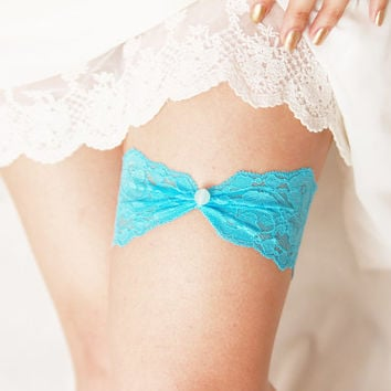 Aqua Blue Limpet Shell Bridal Garter - Wedding Garter - Lace Garter - Something Blue Garter