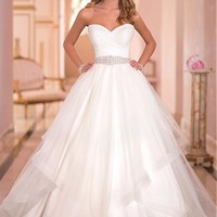 [219.99] Charming Tulle Sweethart Neckline Natural Waistline Ball Gown Wedding Dress - Dressilyme.com