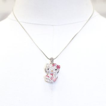 Hello Kitty with Present Necklace