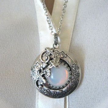 Moon, LOCKET, Silver Locket Necklace,Full Moon Pendant, Full Moon Necklace, Enchanted Forest, Moon Tree Jewelry, Moon Jewelry,  Leaf Lockets