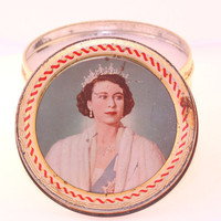 Vintage Queen Elizabeth II Large Tin by CherryBlossomCandles