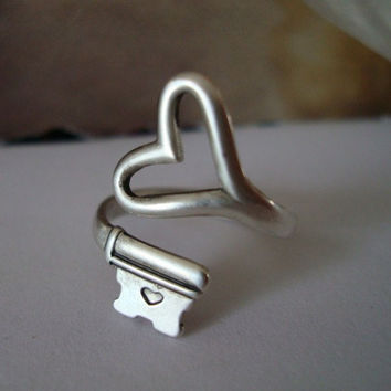 KEY Heart Ring