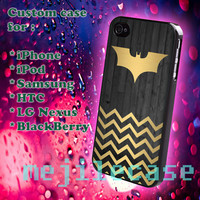 Batman chevron gold iphone 4/4s, iphone 5/5s/5c, Blackberry, HTC One M7/mini, samsung galaxy s3/s4/s5, nexus 4