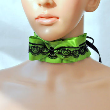 Green Bow Lolita Choker, Kitty play collar, Gothic Kawaii Lolita bow necklace, Pet play necklace, Green and Black Kitten play collar, ddlg