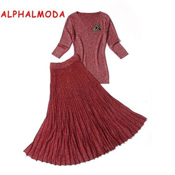 Alphalmoda 2017 Autumn Winter Ladies Sparkle Vogue Fashion SKirts and Sweater 2pcs Suits Bees Brooch Popular Brand Knitting Sets