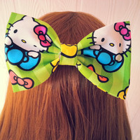 Hair Bow / Hello kitty hair bow / fabric hair bow / hair bow / Kawaii hair bow / Kawaii hair clip / hello kitty hair clip / green hair clip