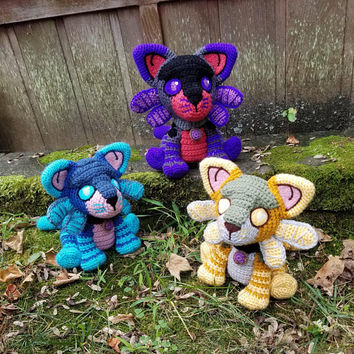 World of Warcraft Inspired: Twilight Kitten Amigurumi (Crochet Plushie/Plush Toy) - in all 3 colors; Purple, Gold and Blue- MADE TO ORDER!
