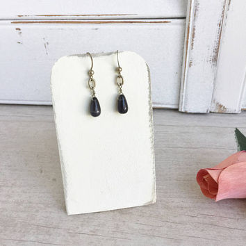 Black Onyx and Silver Tone Drop Earrings - Great Everyday Earrings, Black and Silver Dangle Earrings, Simple Black Earrings, Vintage