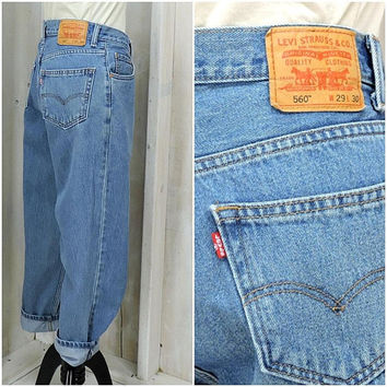 Vintage Levis 560 jeans 29 X 30 / high waisted tapered leg levis jeans / mens / womens mom jeans