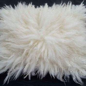 Flokati Medium Rug, Fur Felt, Fluffy Wool Layer, Hand Felted Photography Prop Cream White by FeltFur RTS